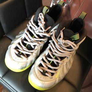 Nike Foamposite size 8.5